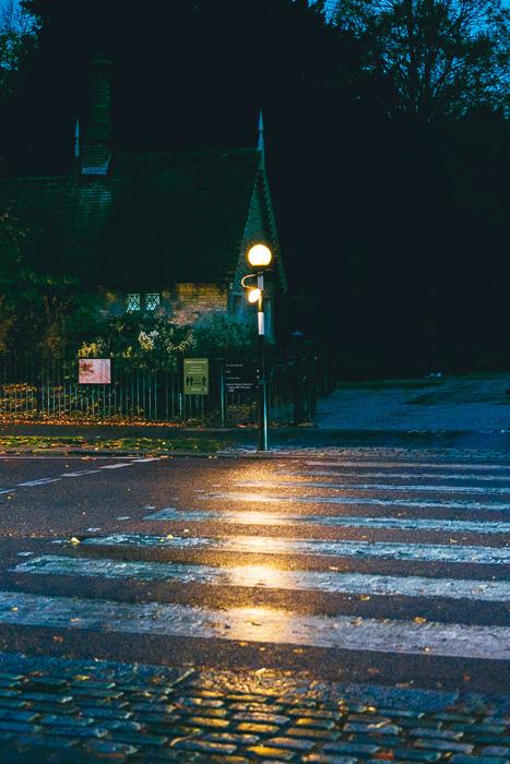 Fotografia noturna em condições de pouca luz tirada com a Fujifilm X-T200