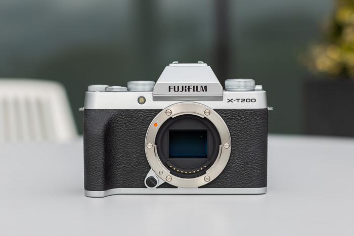 Imagem do corpo da câmera sem espelho Fujifilm X-T200