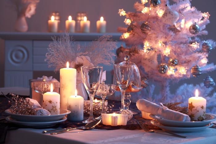 White themed Christmas table setting