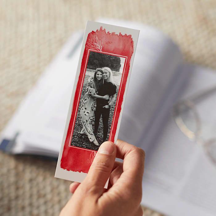 Um marcador de foto de presente personalizado