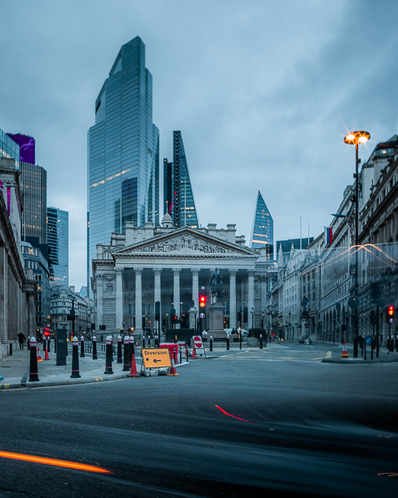 An image of the streets of London taken with the EOS R5