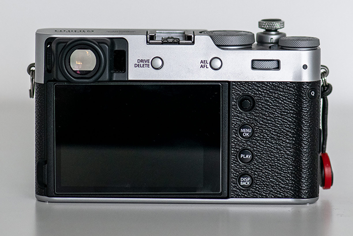 Image of the back side and LCD of the Fuji X100V mirrorless camera
