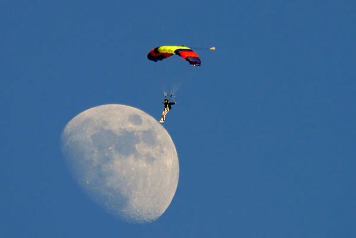 A para glider landing on the moon