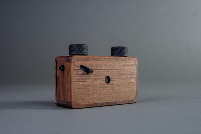 A picture of an Ondu Pinhole camera photography gadget