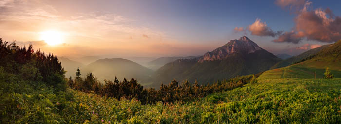 Uma bela imagem panorâmica de uma paisagem em lapso de tempo