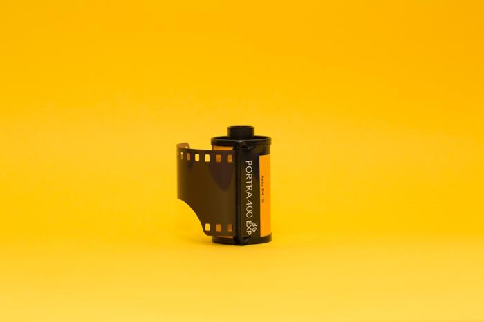 Uma imagem de um rolo de filme Kodak 35 mm.
