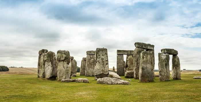 uma foto de stonehenge