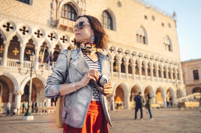 Fotógrafo em praça em Veneza